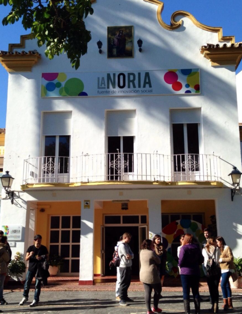 LA-NORIA-fachada-principal